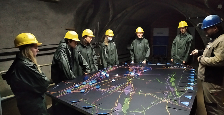 Besuch-der-Bergbaus_mint_ec